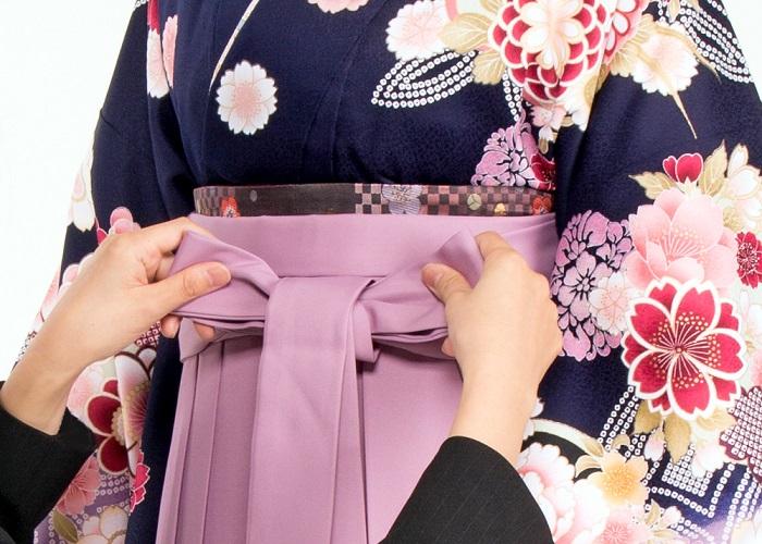 袴のプロによる着付けイメージ