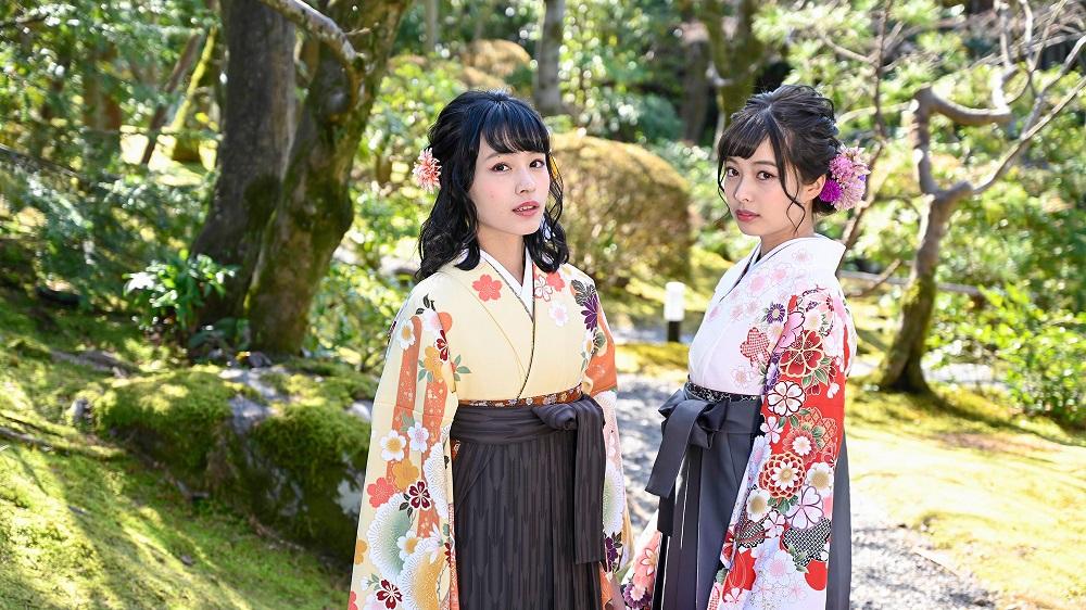 袴姿の女学生